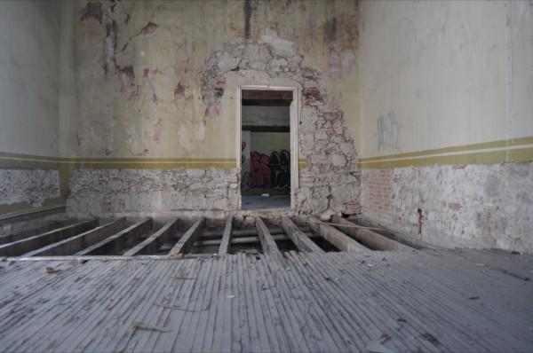 Edificio Abandonado V (2011), Foto de Martha Vivar Coyotl