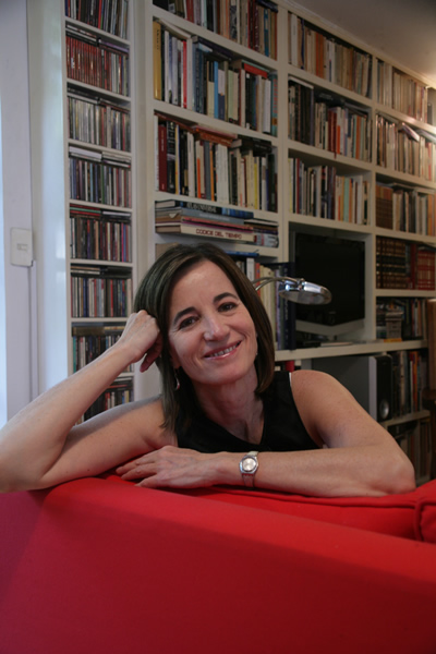 Mónica Lavín. Fotografía por Barry Domínguez.