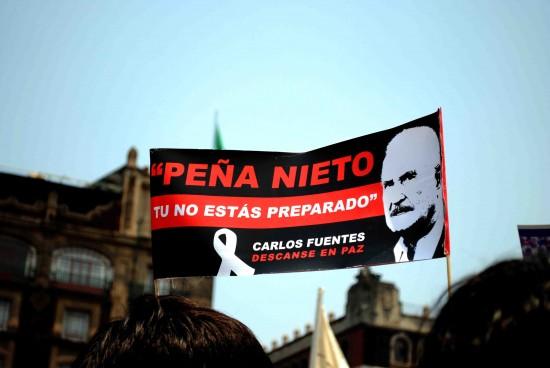 Foto de @Cocainelil. Tomada de Barricada (barricada.mx/marcha-anti-epn)